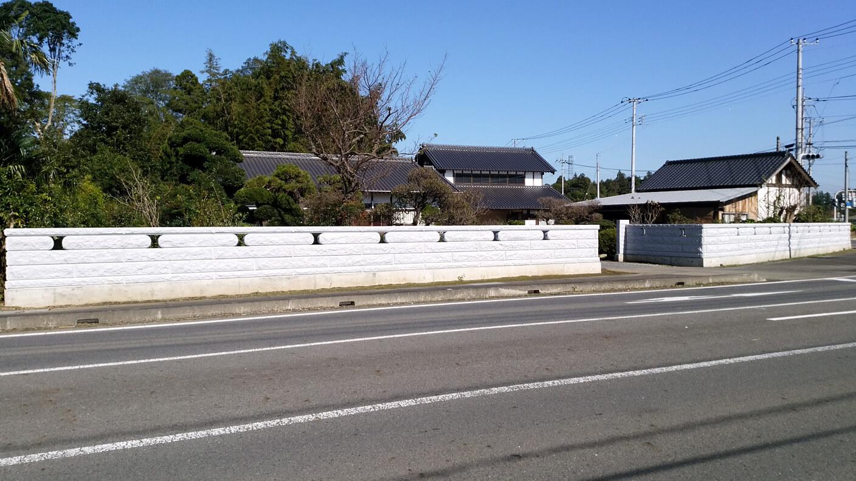 重厚感あるコブ出し加工と施主さまの体格に合わせた石塀工事(小美玉市 Iさま)